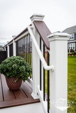 Trex Graspable Handrail